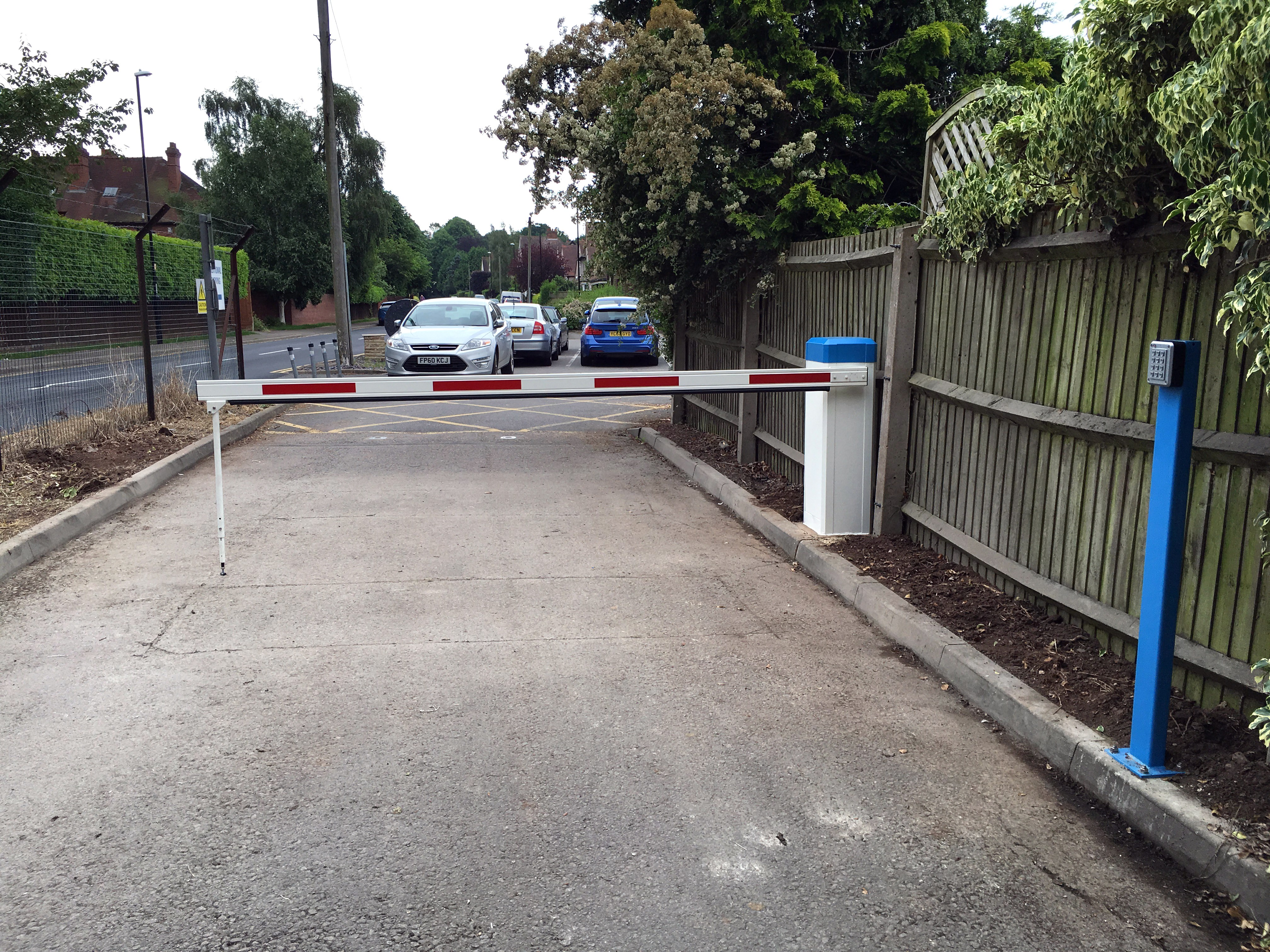 AUTOPA Automatic Arm Barrier creates a safe and secure car park for Hearsall Golf club article image