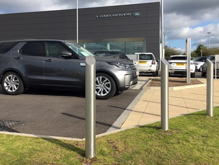 Land Rover secures the perimeter of their Stafford dealership with the help of AUTOPA article image